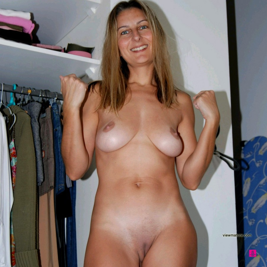 Amateur wife perfect nipples