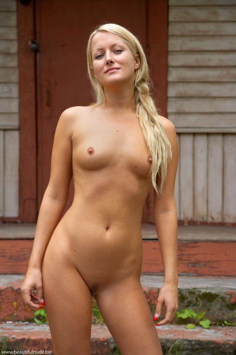 Beautiful naked women and
