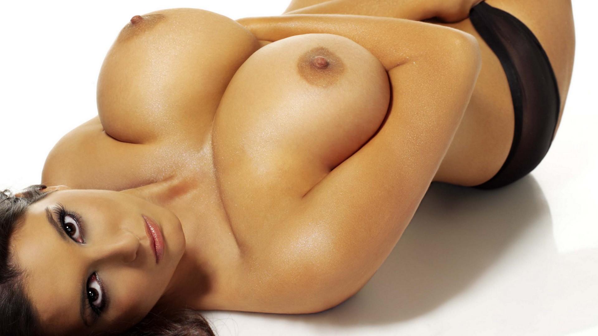 Эротика москва голые грудь сиська