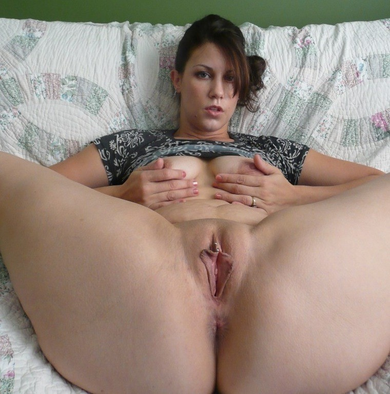 hips naked wide Mom