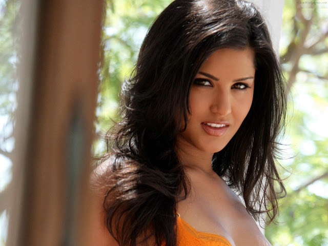 porn model porn photo photos hot star sunny leone