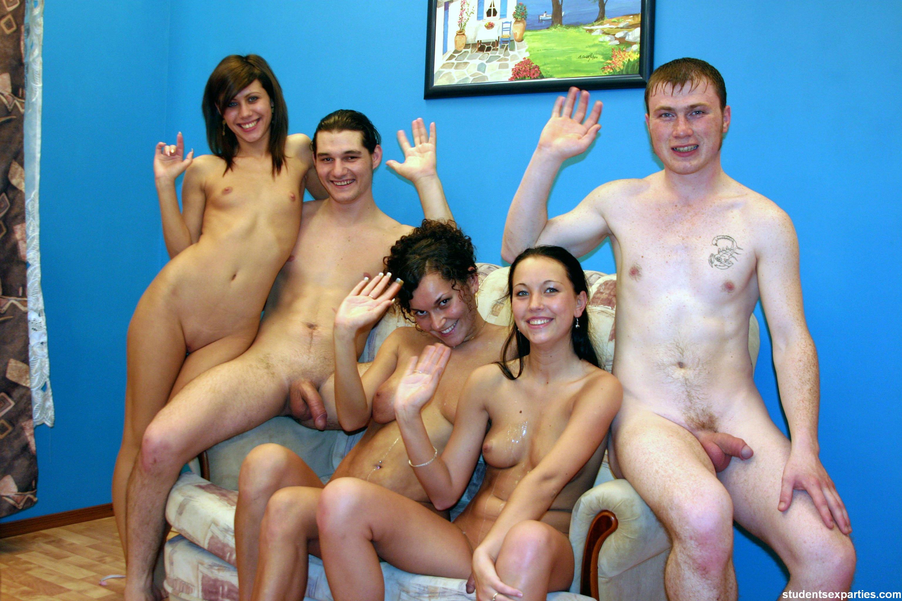 Сексвечеринка в бане 14 фотография