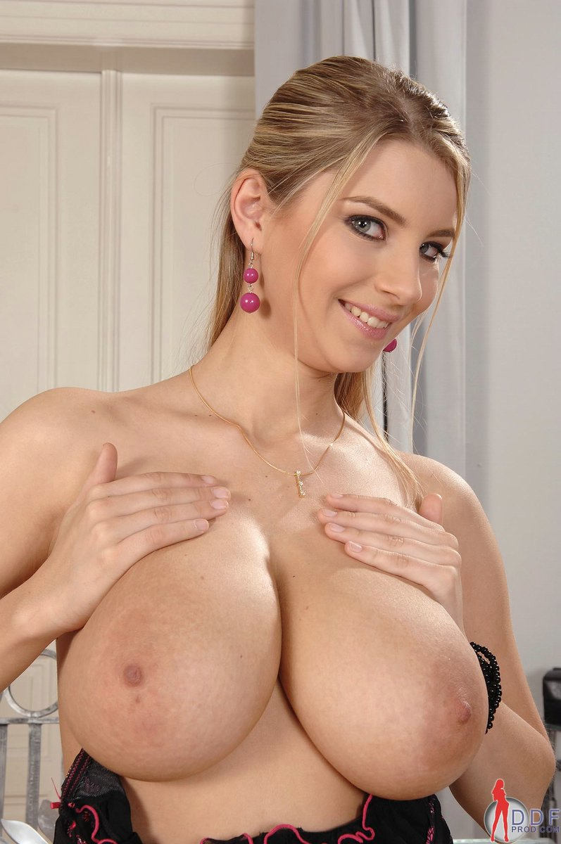 Free nude large breast