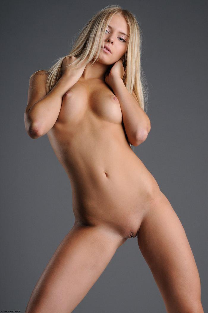 фото голих милашок