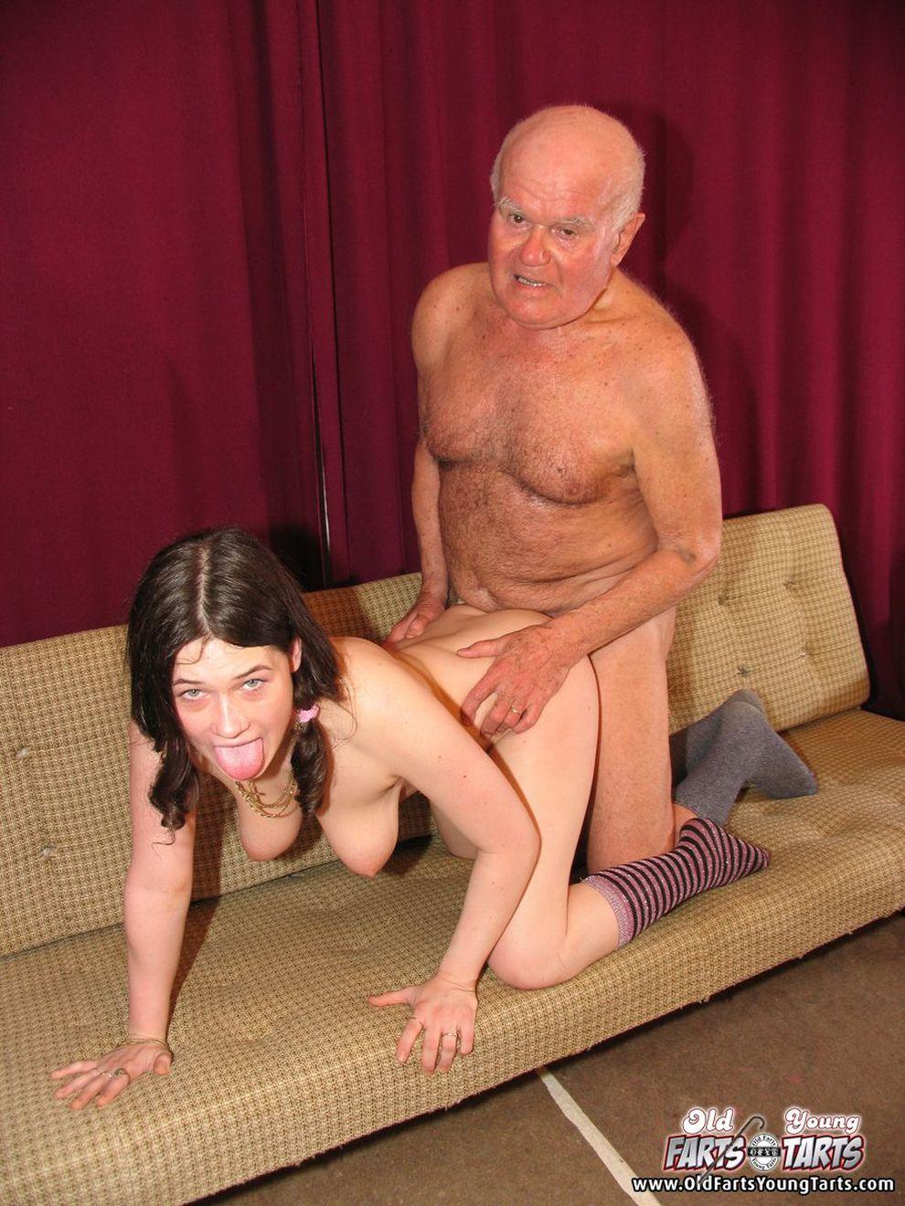 Старый жирный отец порно онлайн 22 фотография