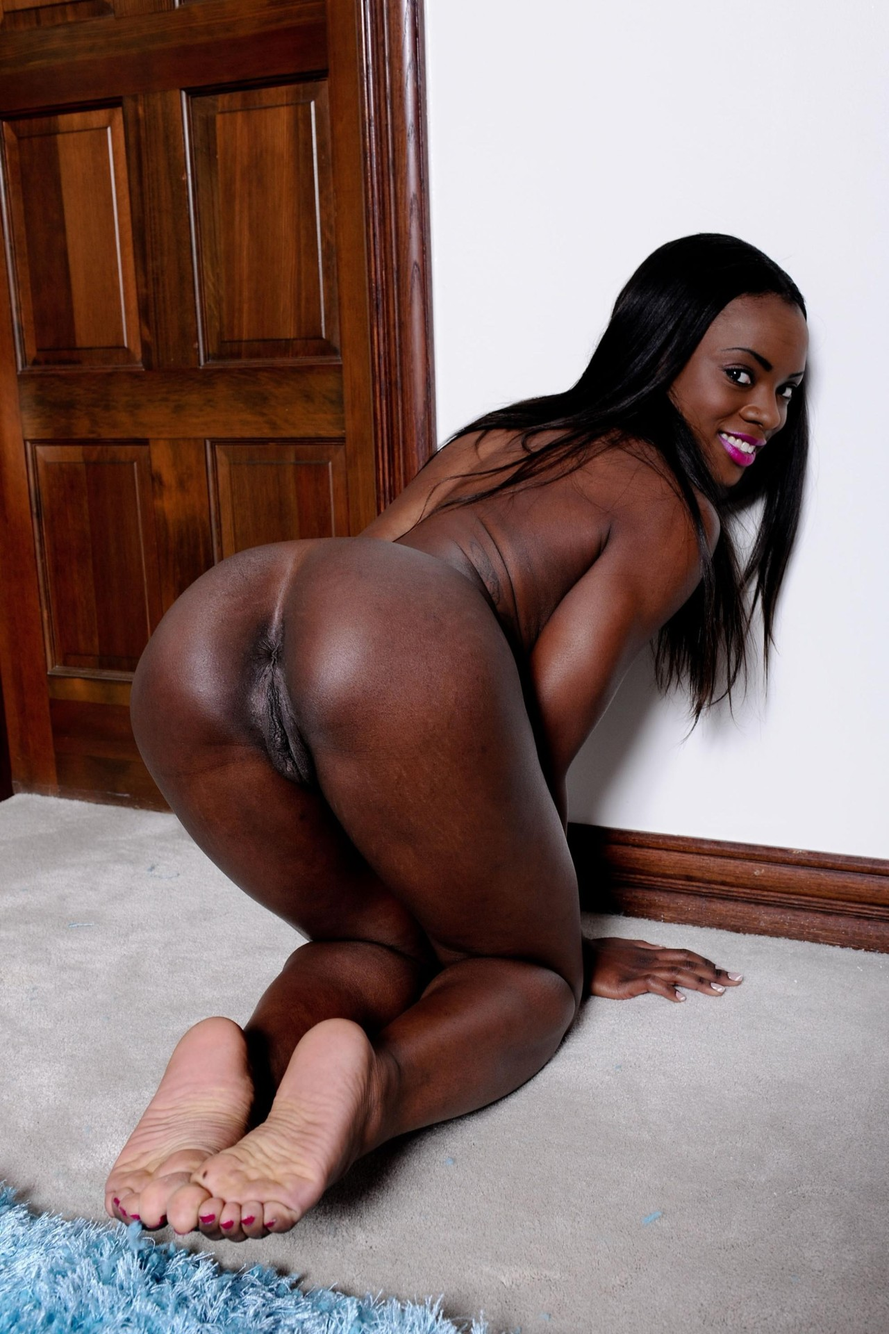 naked big booty ebony