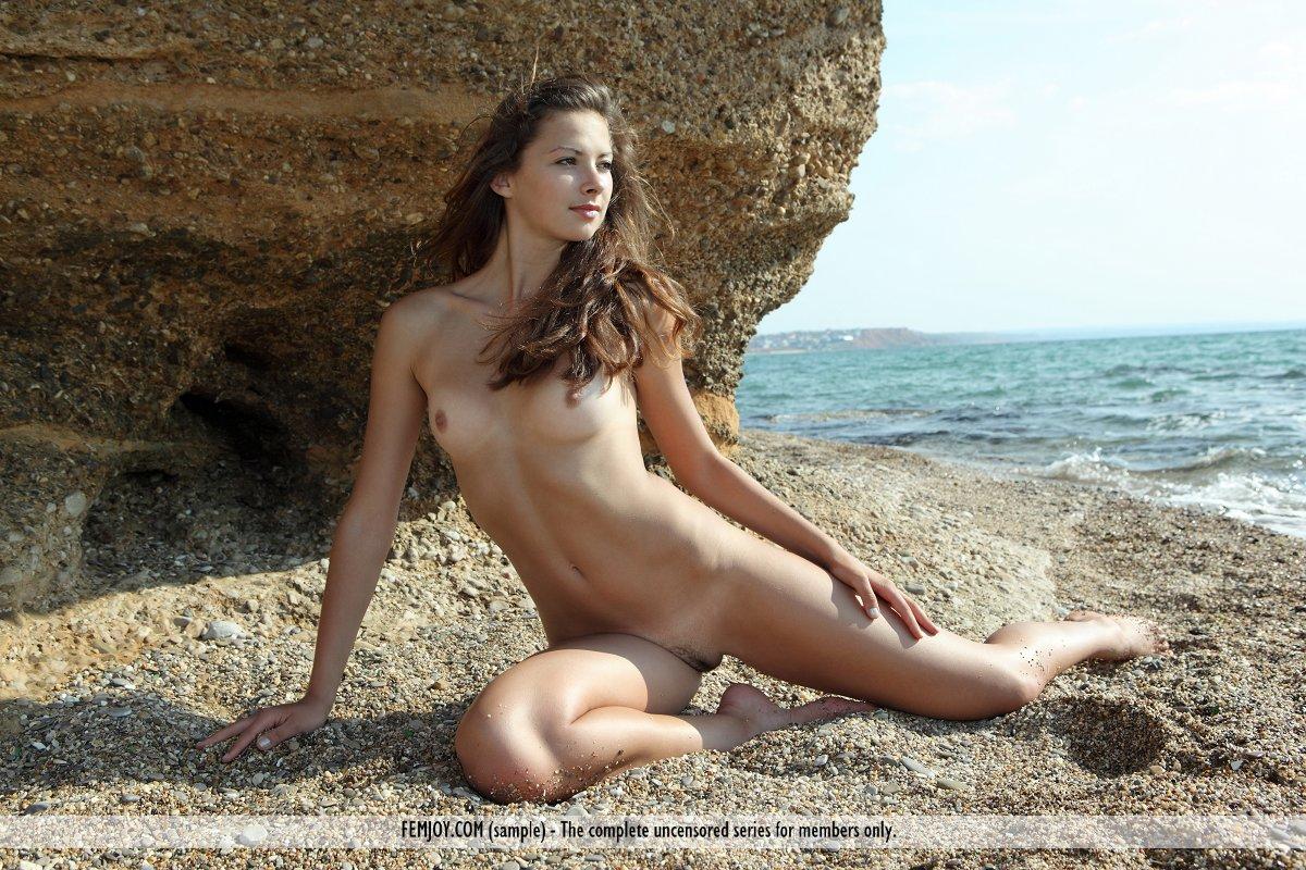 Erotic Nude Pics 36