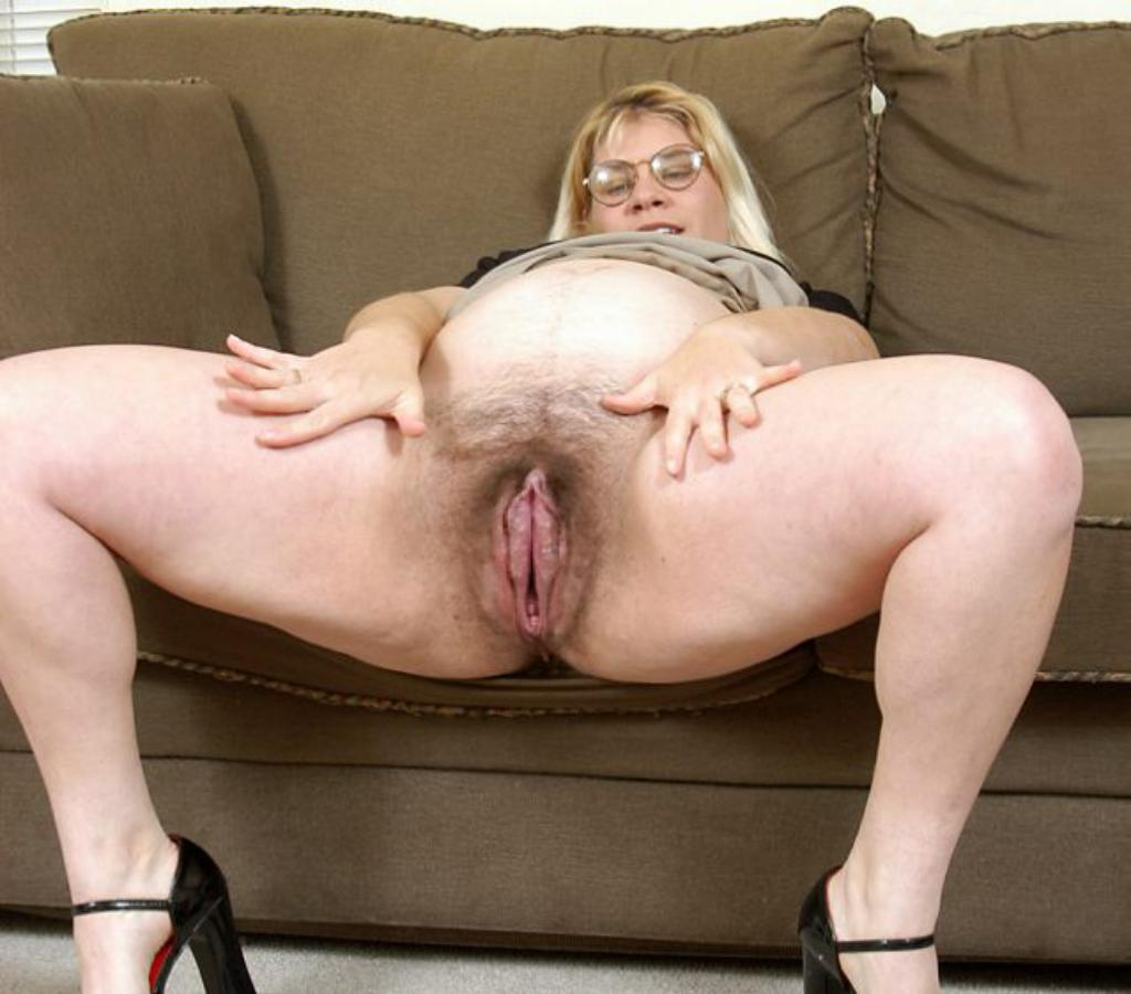 woman whith the biggest pussy