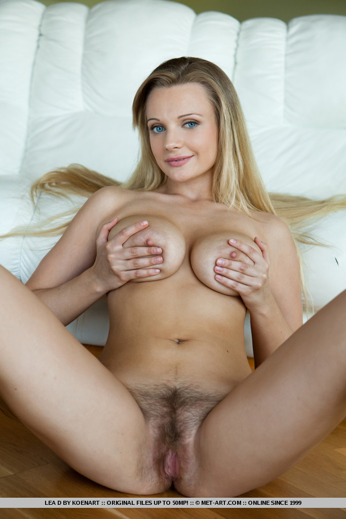 Naked Hairy Blonde 70