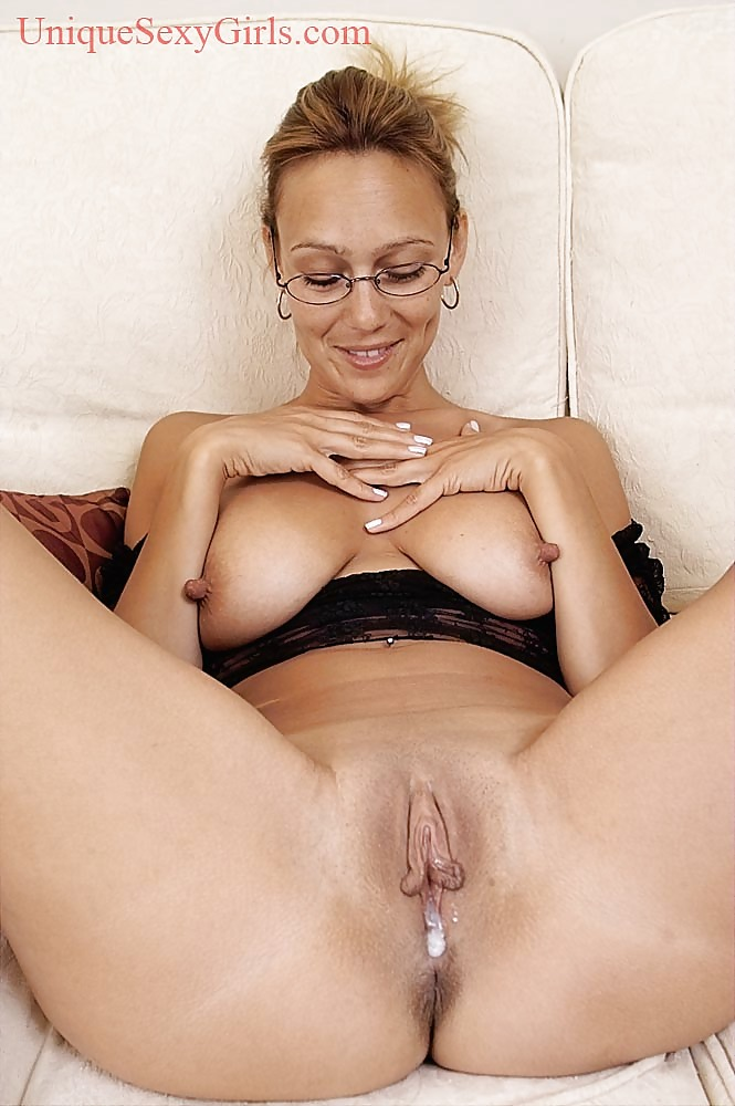 Females pussy showing Brazilian naked