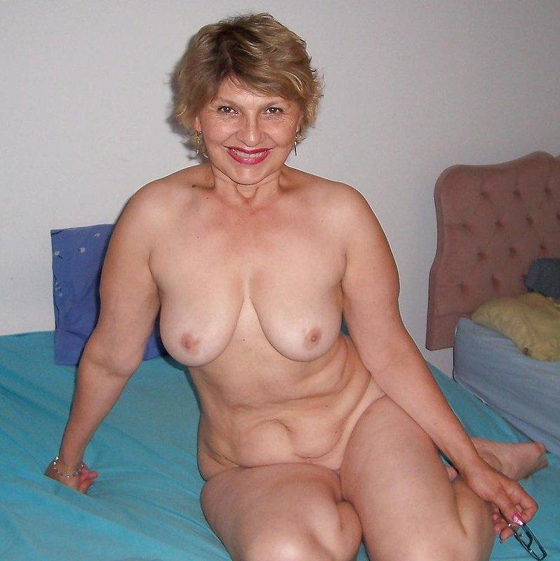 Naked mature grandma galleries