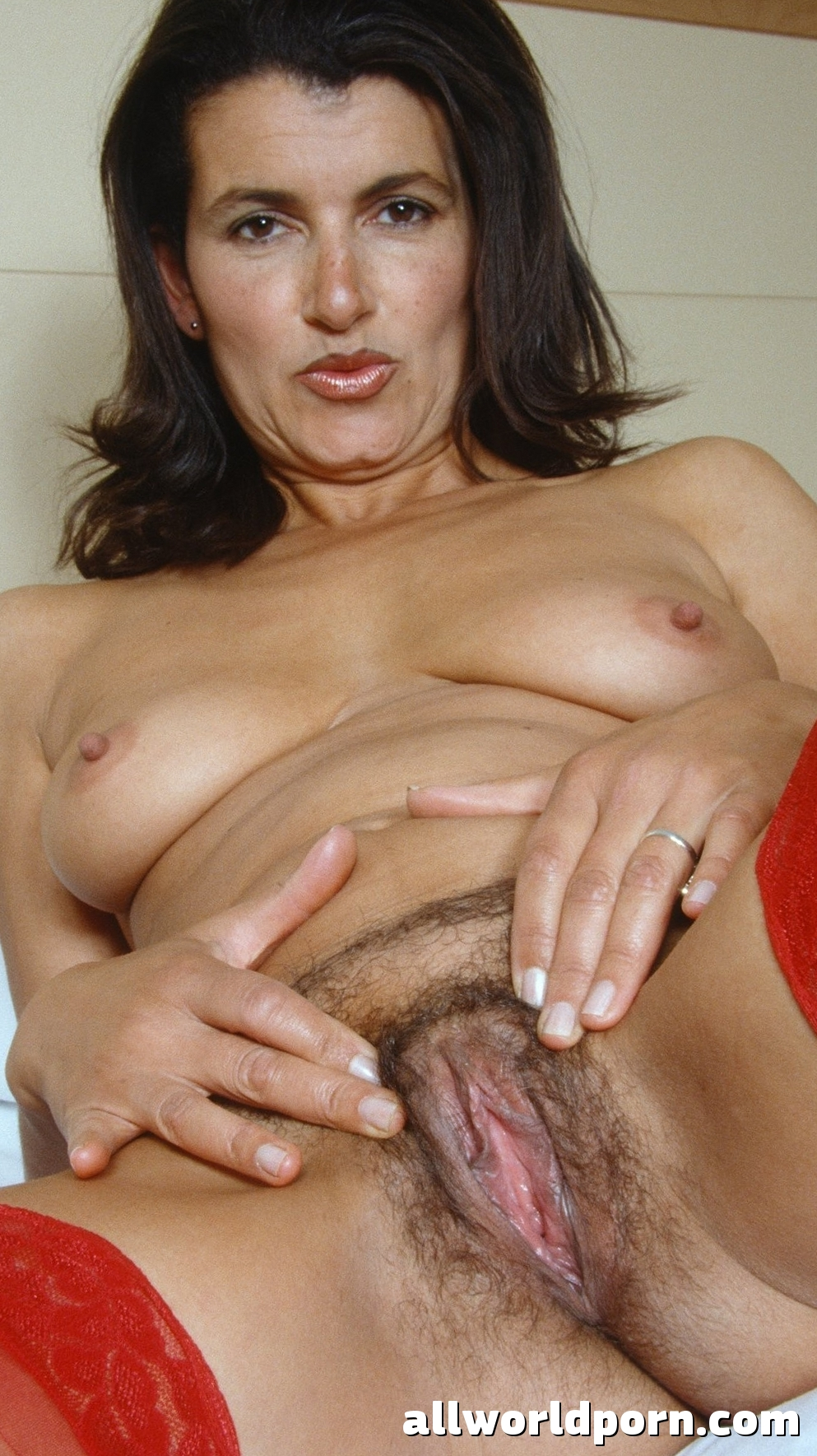 Mature women naked sex pictures