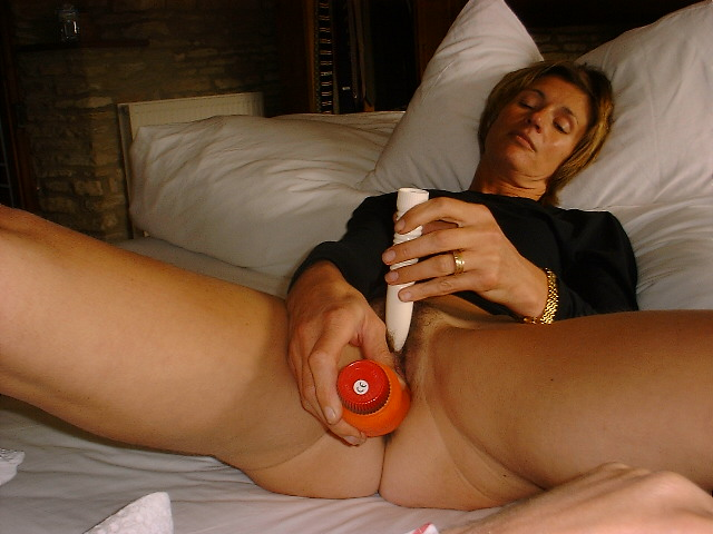 Female amature masturbation