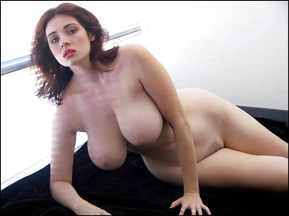 Sexy nude girl big boobs wide hips not