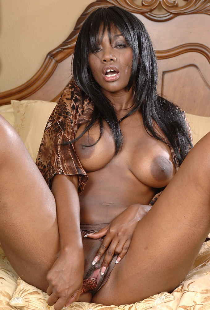 Naked black women models