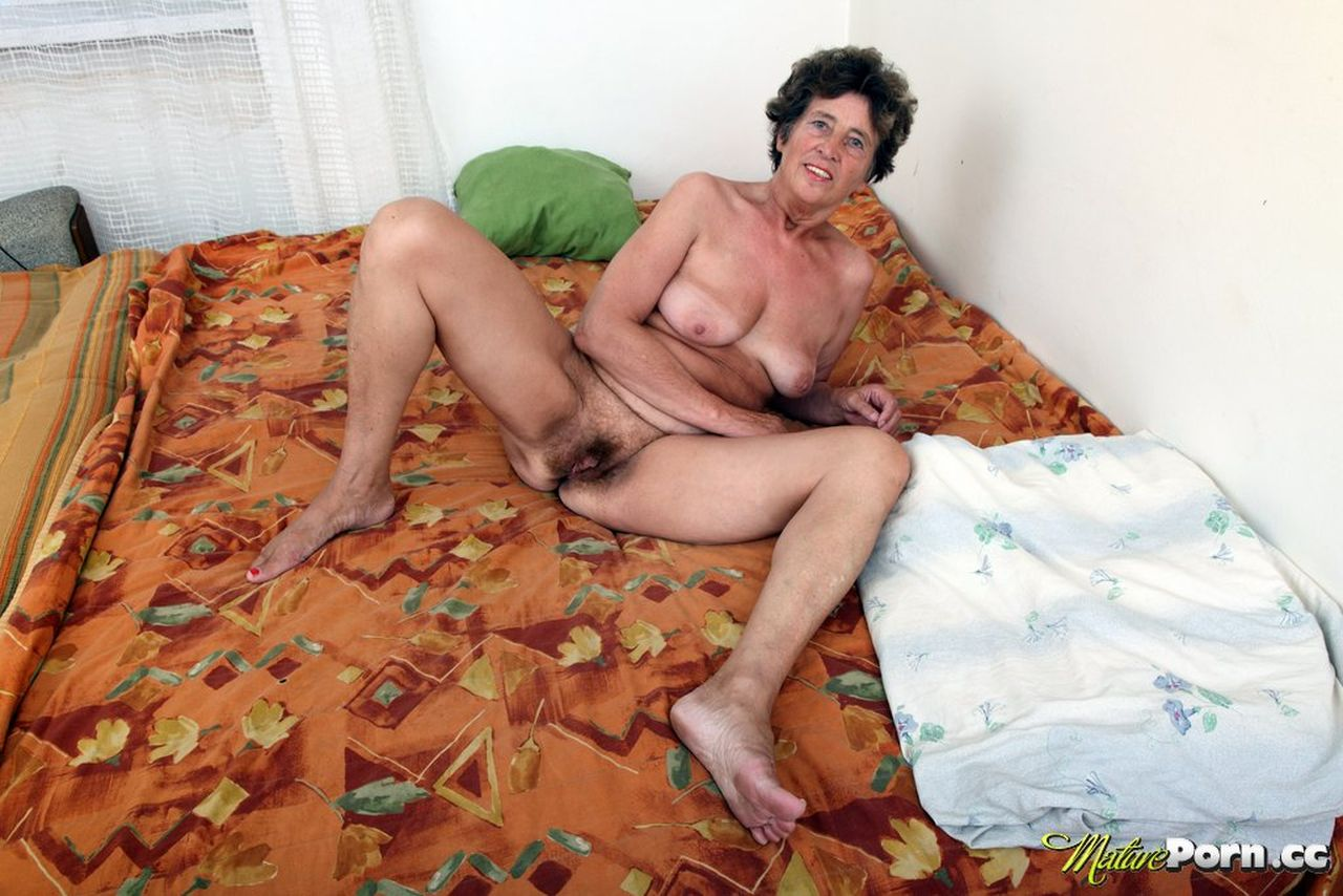 porno-starie-skachat-na-android