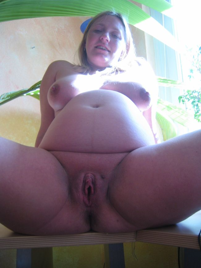 Hot Pregnant Galleries Galleries Pic Naked Pregnant Posing Outdoors ...