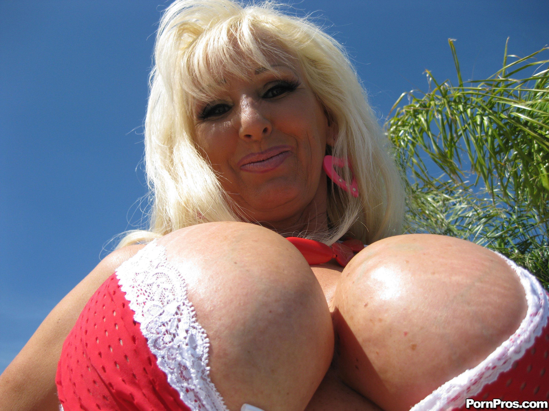 Porno huge tits