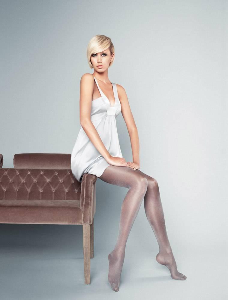 Фото моделей в белых колготках 16 фотография