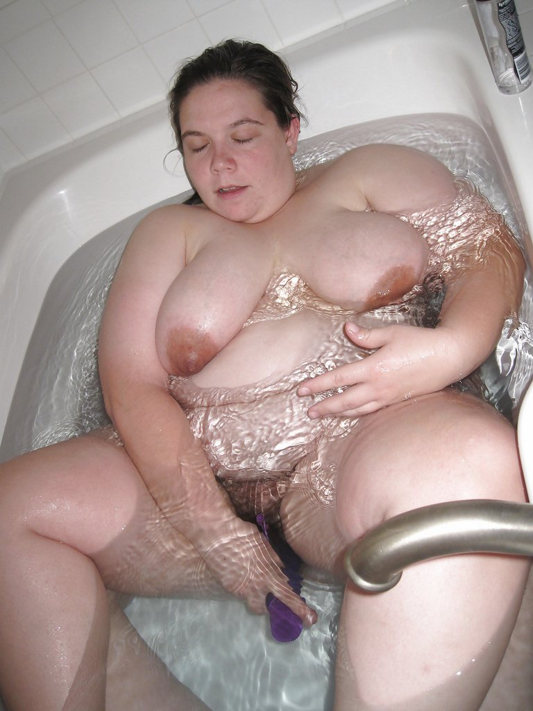 girl nude fat