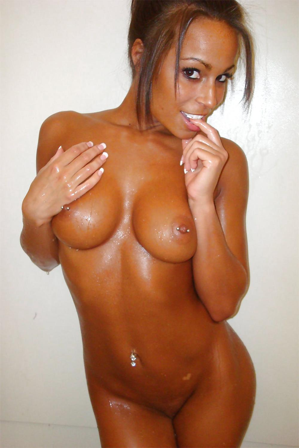 ebony female naked pics
