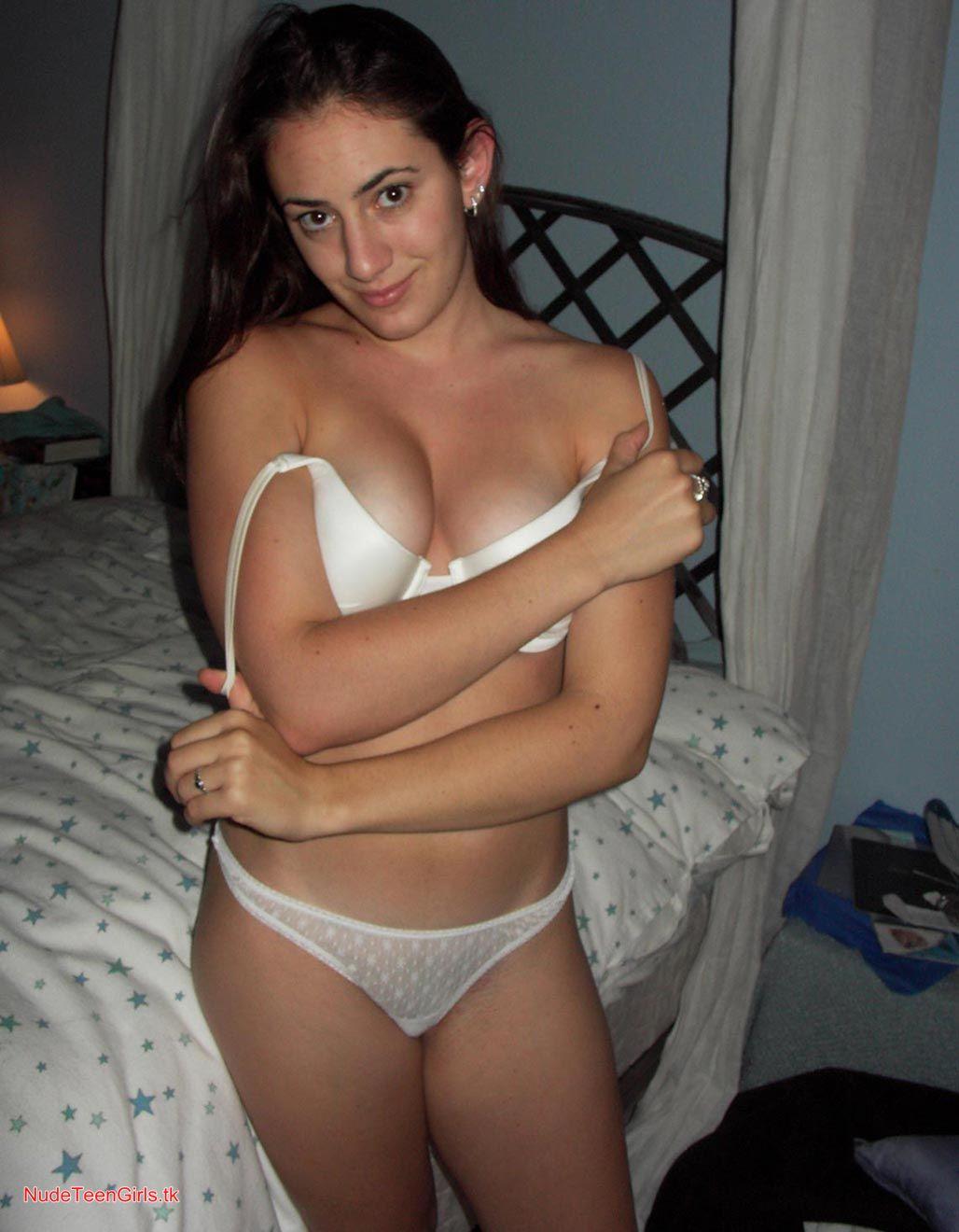 lyndsy fonseca nude gifs