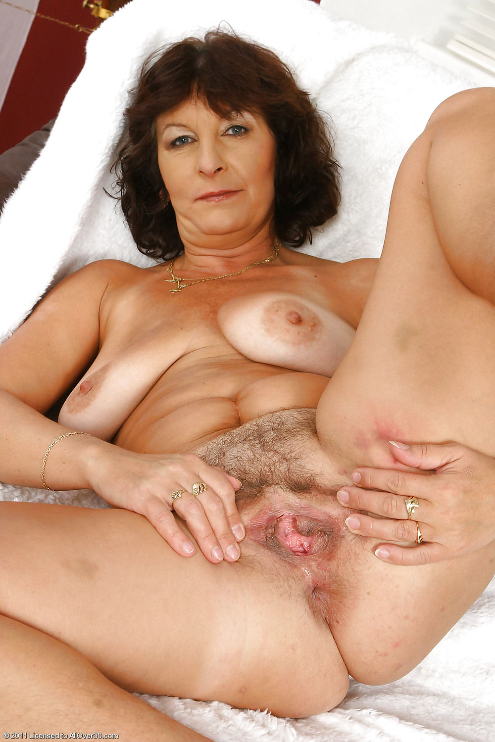 Www.mom pale nude really