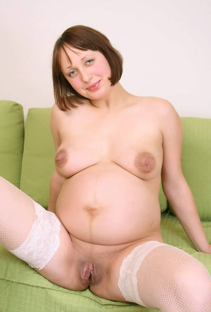Naked pregnant woman gallery