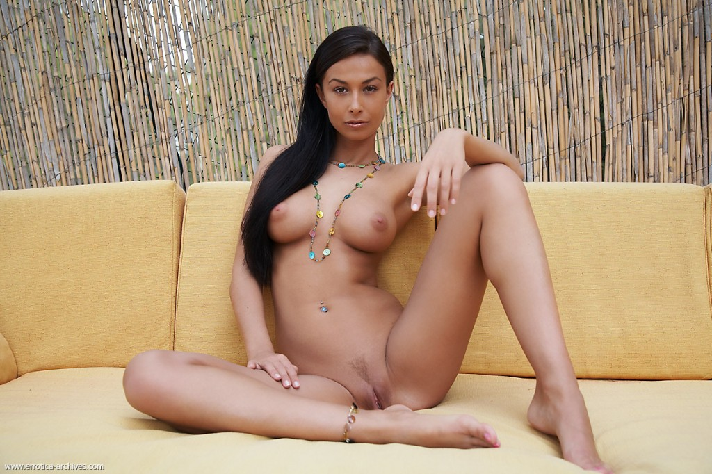 Naked Women Ass Pictures Hot Busty Naked Woman Exotic Voluptuous ...