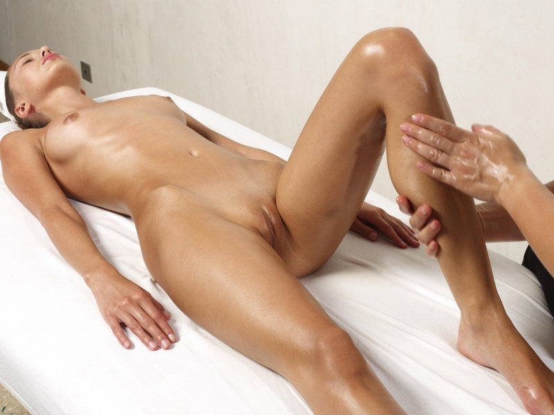 Massage Nude 28