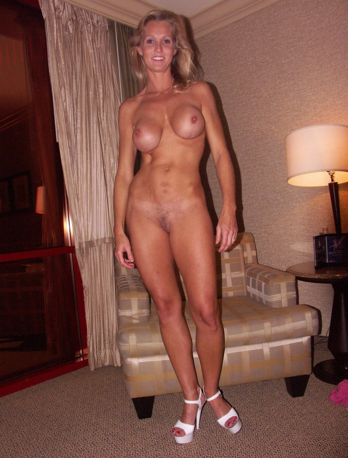 nude old woman pictures