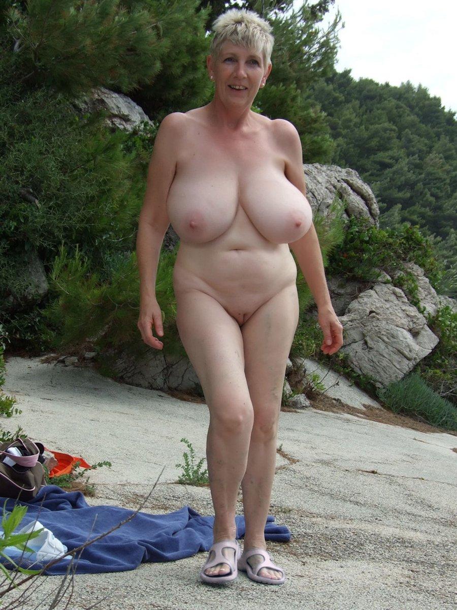 Topless granny Moms Plays