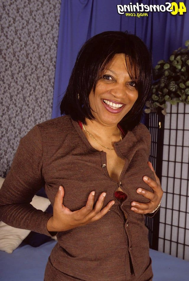 picture of black women pussy old pussy women black mature spread