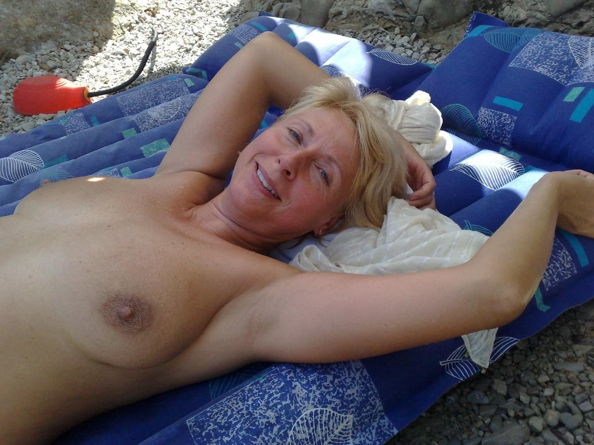 Women naked senior