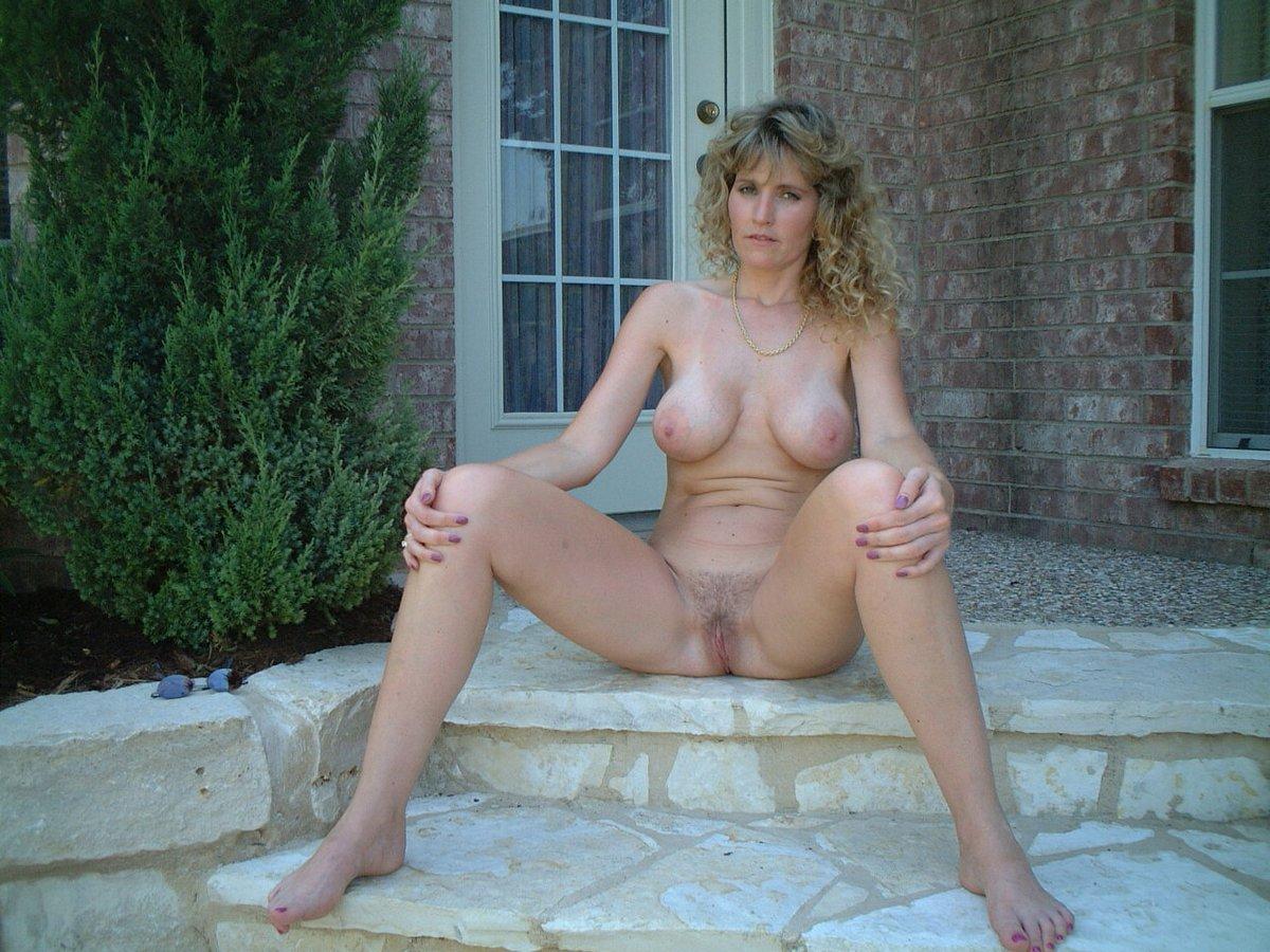 Free pics ladies naked sex galleries