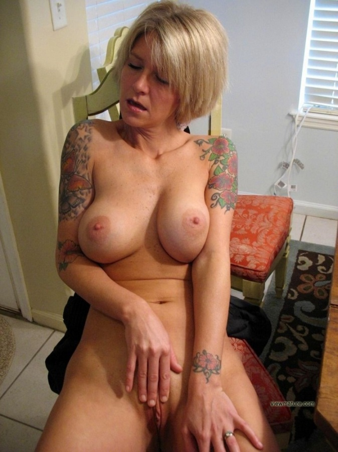 Nude Older Moms Pictures Old Work Nude Mature Wives Posing Their ...
