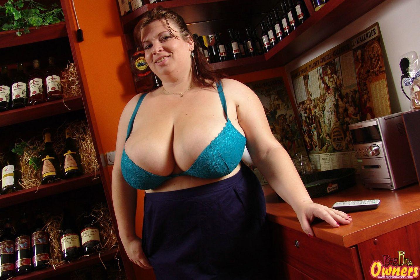 Skirts Porn Pics