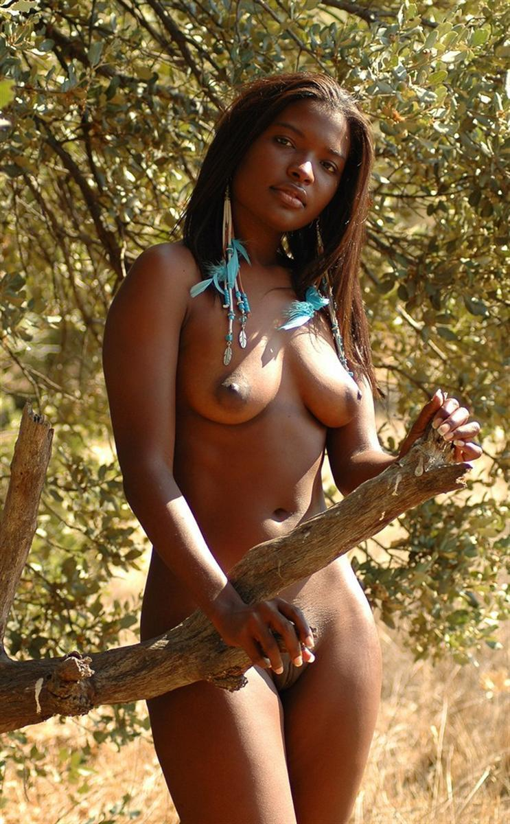 African Women Nude In Jangel 52