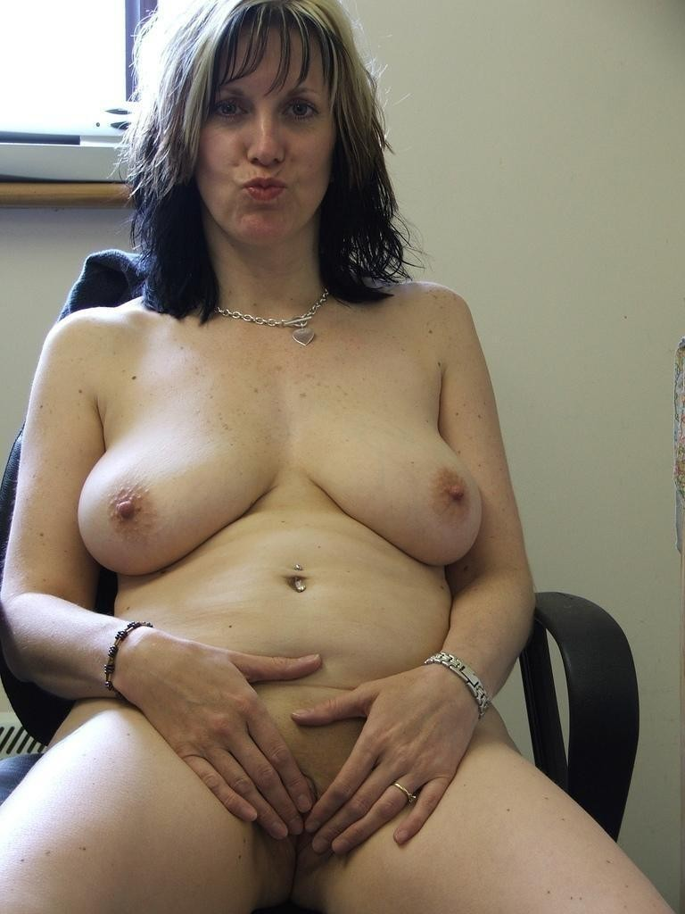 image Single mother with good wet pussy