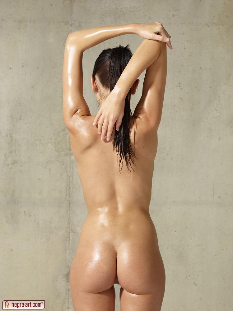 Girl nude skinny Watch Halle