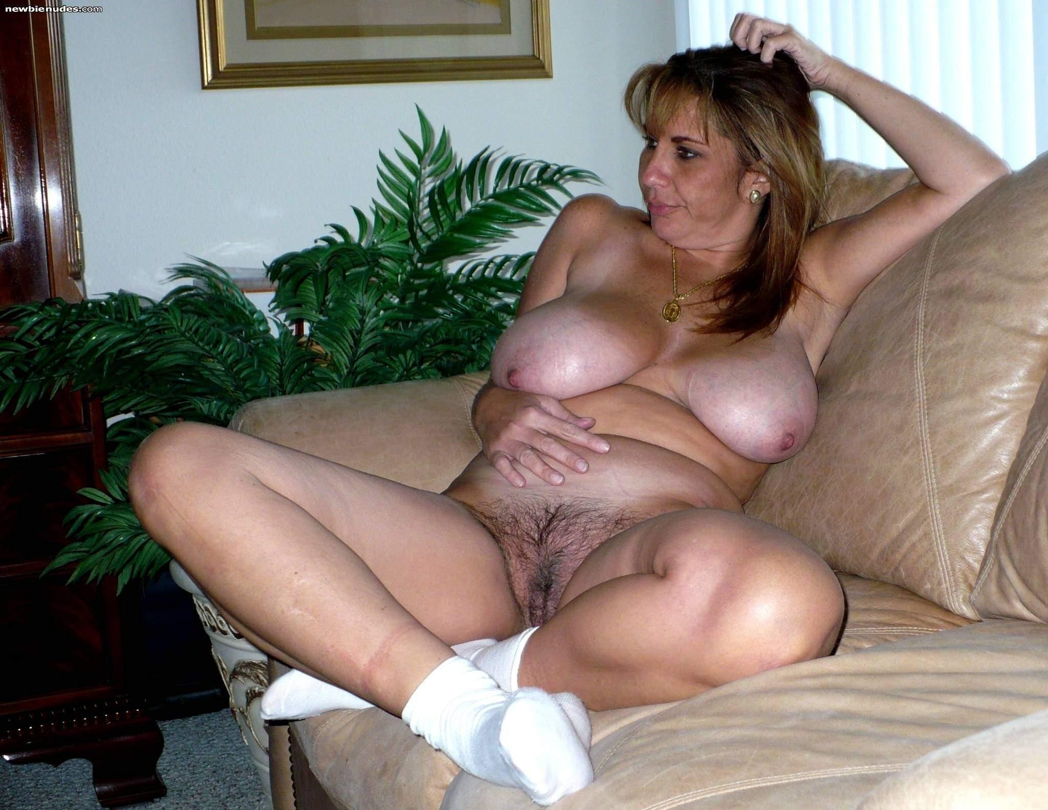 Natural hairy bush creampie