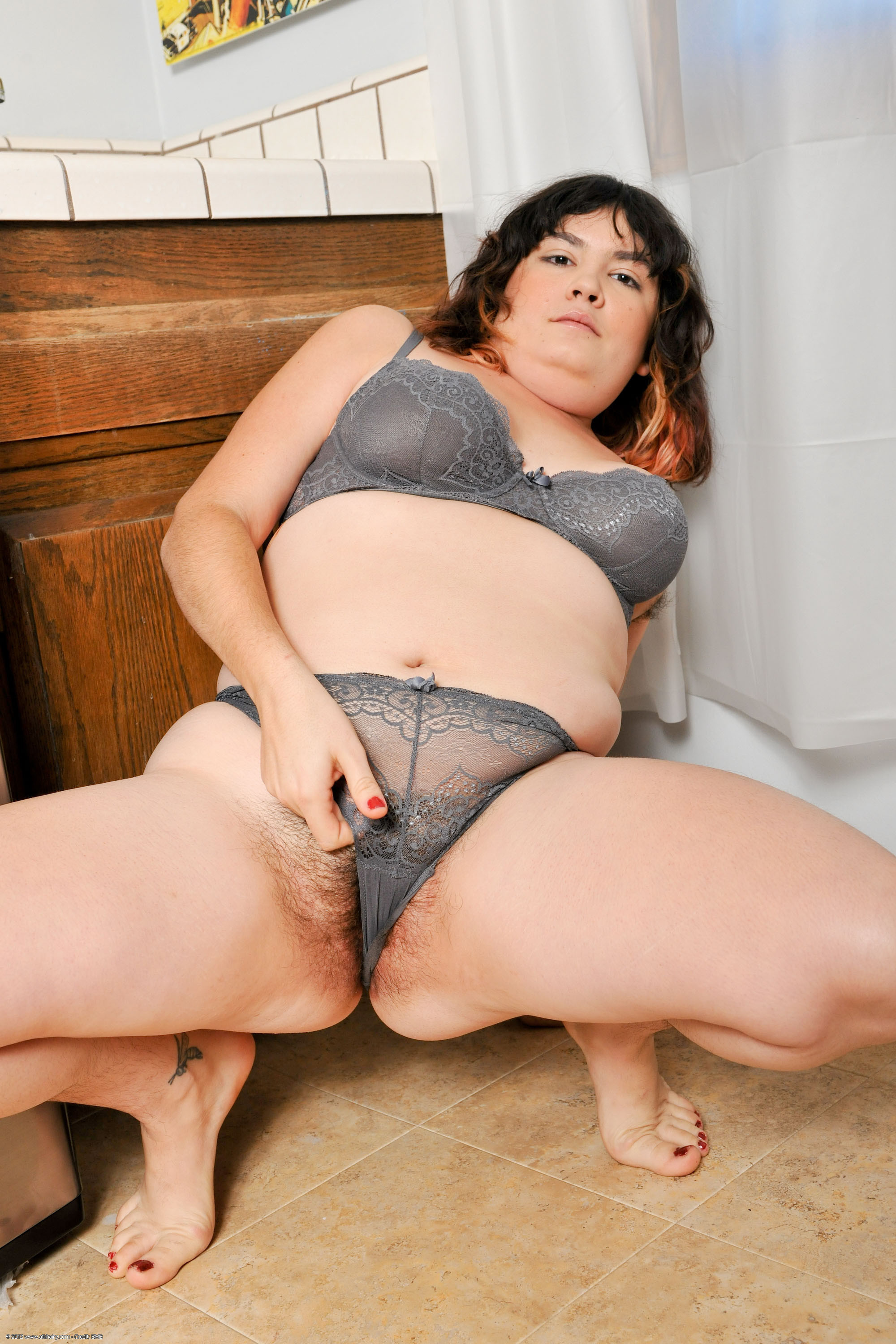 Free wet pussy in thongs xxx image hot