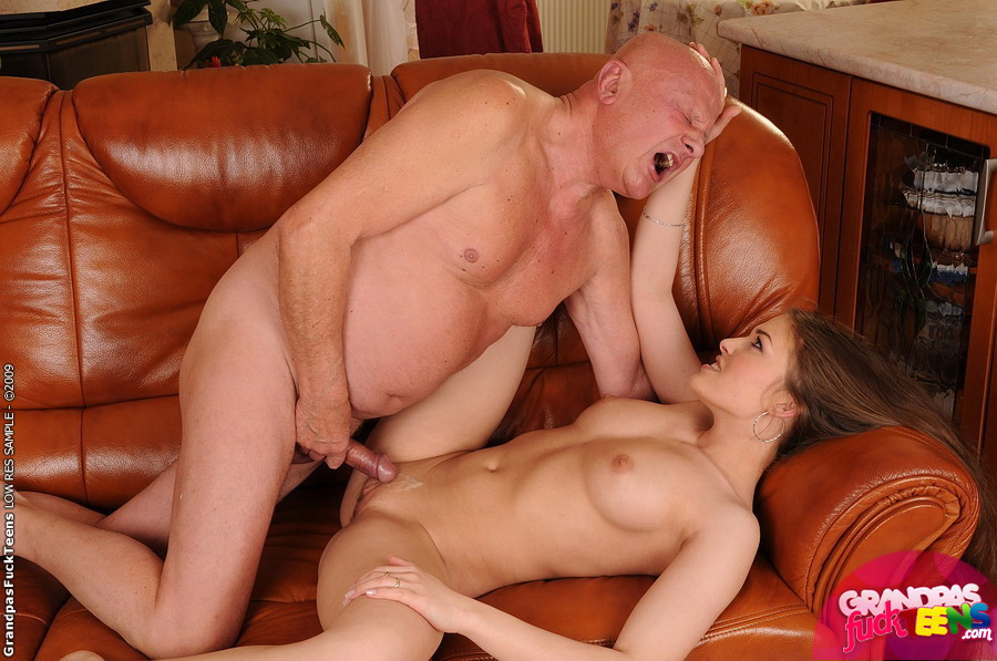 Old Man Fucks Asian Girl