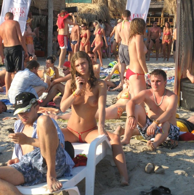 amateur topless beach photos gallery pictures topratedpics