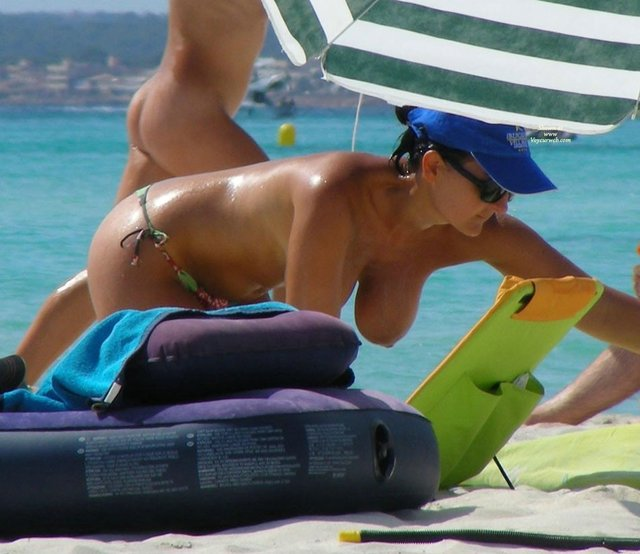 beach voyeur images photo photos amateur beach topless voyeur