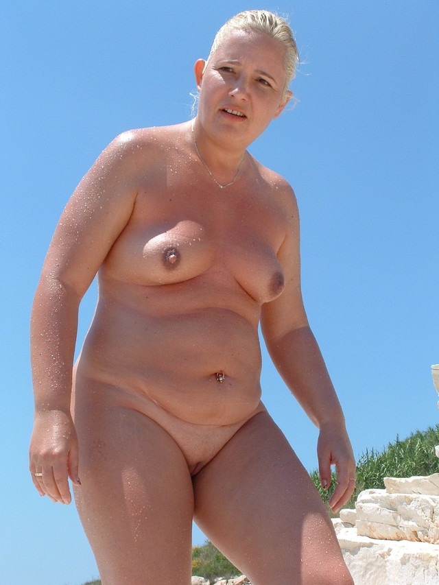 sexy lightskin older pussy