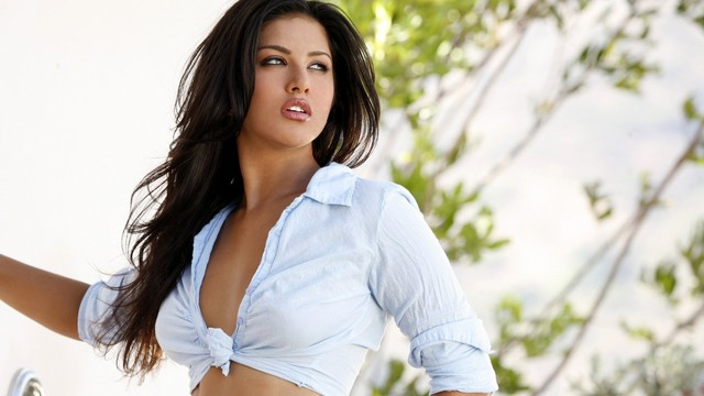 big boobs nipples photo nipples sunny leone wallpapers boobs wallpaper through clothing