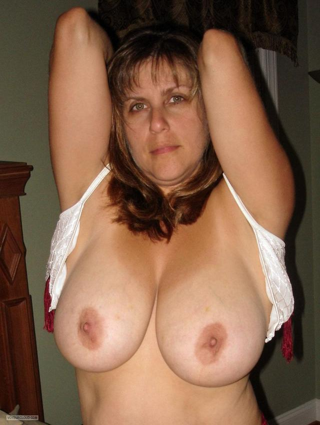 big girl tit tits show pic bigimages extremely