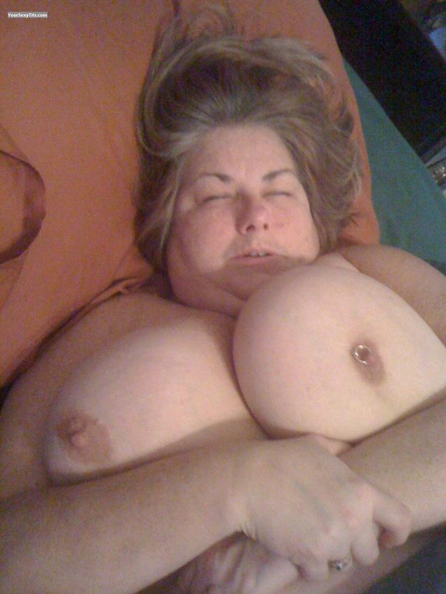 big nipples tits show pic iphone bigimages extremely