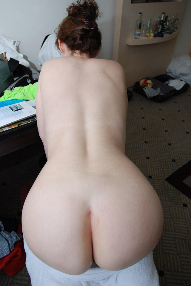 milf peach shaped butt jpg 853x1280